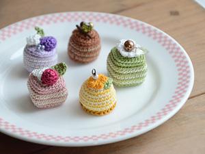春色のあみぐるみプチケーキ|alphadorn